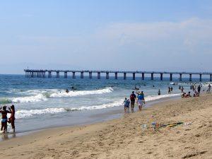 Hermosa_beach_summer_day