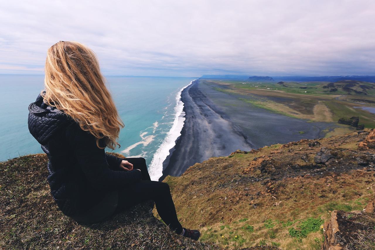 20 coisas que toda mulher que viaja sozinha precisa saber